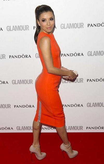 Звание «Лучшие ягодицы» досталось 37-летней актрисе, модели и продюсеру Еве Лонгории (Eva Longoria), которая не только славится своими аппетитными формами, но и не забывает их эффектно представлять.