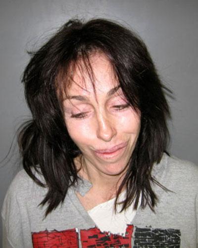 Так называемая «голливудская мадам» Хайди Флайсс, даже успевшая отсидеть в тюрьме за сводничество,  была поймана на дороге в Неваде 7 февраля 2008 по обвинению в незаконном хранении и употреблении наркотических препаратов, находящихся на строгом медицинском учёте…