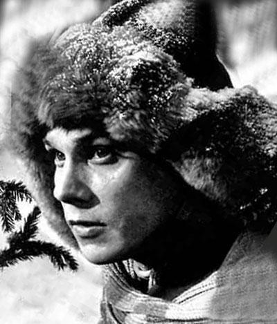 Георгий Юматов  в марте 1994 года застрелил из охотничьего ружья дворника, который помогал актеру похоронить его любимую собачку Фросю, умершую накануне.