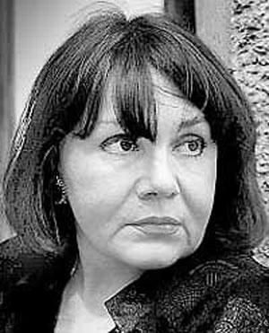 Актриса утверждала, что Стас сам себя ранил… Но в 1983 году Малявину всё-таки осудили по статье 103 «Умышленное убийство». Она просидела пять из девяти положенных лет, после чего ее амнистировали «за примерное поведение»…
