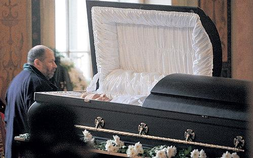 фото мертвый знаменитостей: http://thq-1.ru/page/foto_mertvii_znamenitostei/
