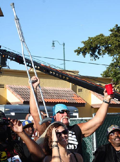 Брук Хоган прославилась, когда появилась в реалити-шоу отца «Хоган знает лучше» (Hogan Knows Best).