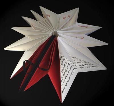 Сборник поэзии в форме рождественской звезды