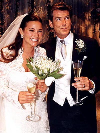 Со своей будущей женой Пирс Броснан познакомился в Мексике в 1994 – сразу же обратил внимание на корреспондентку, которая брала у него интервью. Сегодня у пары двое сыновей – Дэниел и Люк.